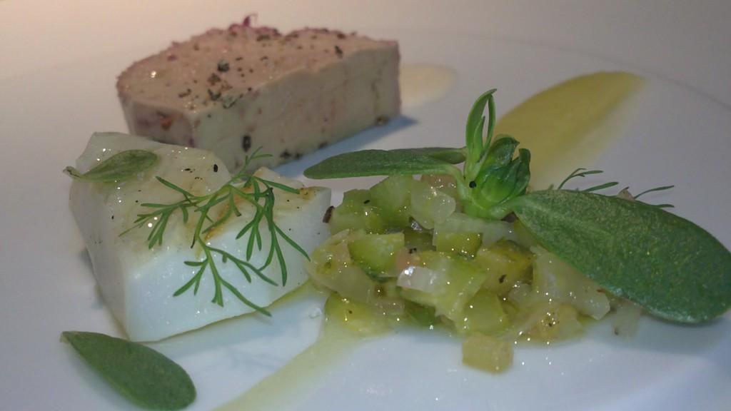 Foie gras de canard, seiche grillée à l'huile de combawa
